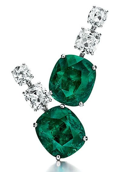Lot 248 - A PAIR OF IMPORTANT EMERALD AND DIAMOND EAR PENDANTS