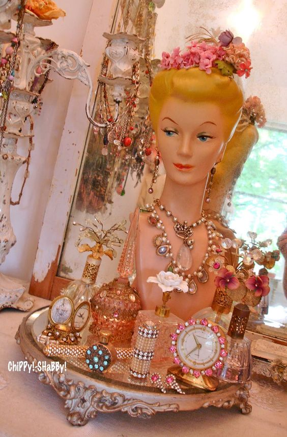 ChiPPy! - SHaBBy!: **Meet DaRbY** Vintage JeWeLry Store Display Bust...