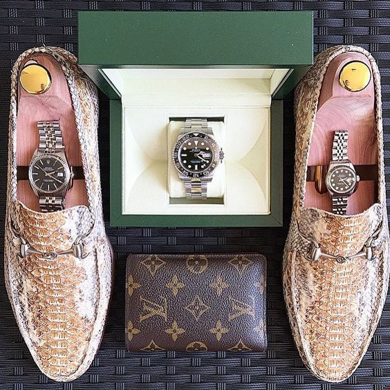 The daily dose of  #essentials  today come from my brother @d.stabile by mr.chrono