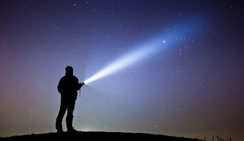 LED-Taschenlampe: Besser Als Eine Waffe?