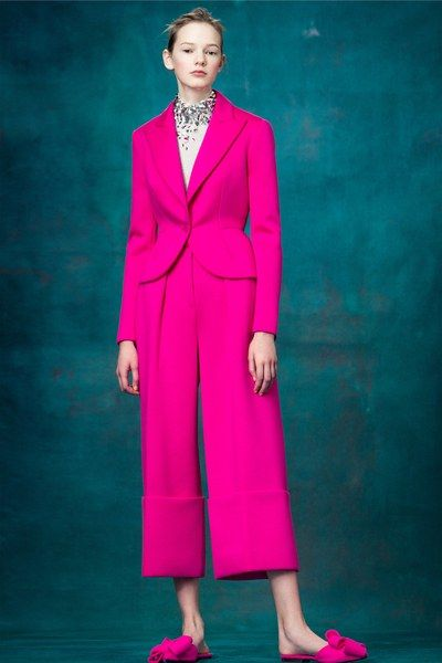 See the complete Delpozo Pre-Fall 2017 collection.: