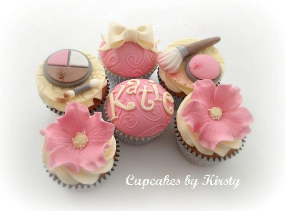 Make up cupcakes  - Cake by Kirsty