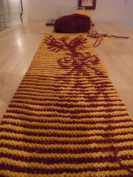 Scarf Knitting Patterns Instructions : Harry potter fawkes the phoenix illusion scarf knitting