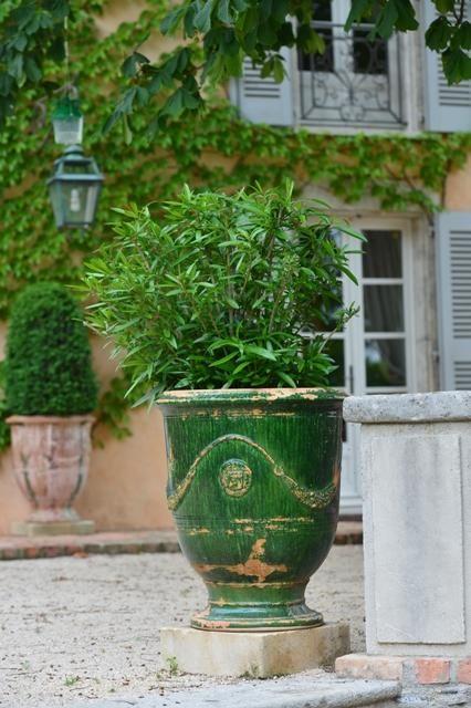 Vase d'Anduze finition vieillie flammé.Véritable poterie d'Anduze d'extérieur et d'intérieur en terre naturelle. Vase d'Anduze Vieilli vert…