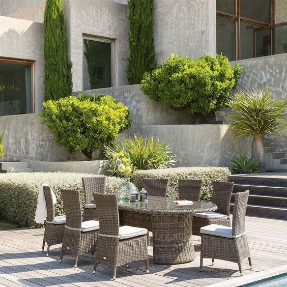 Donnez Un Charme Exotique A Votre Jardin Avec La Table De Jardin