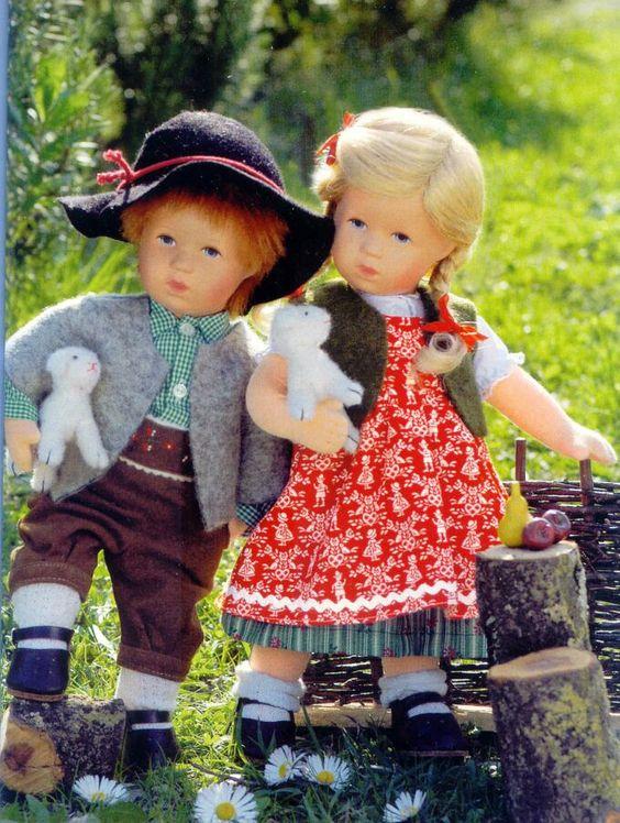 http://www.puppen-paradies.com/kaethe-kruse/pp-385.jpg Heidi mit Lämmchen