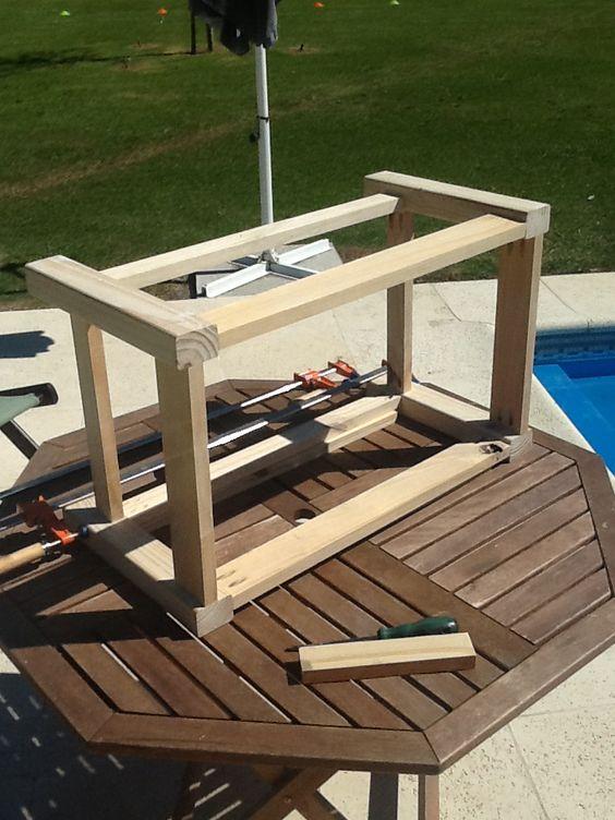 Mesa ratona para exteriores con madera reciclada y de - Mesa madera reciclada ...