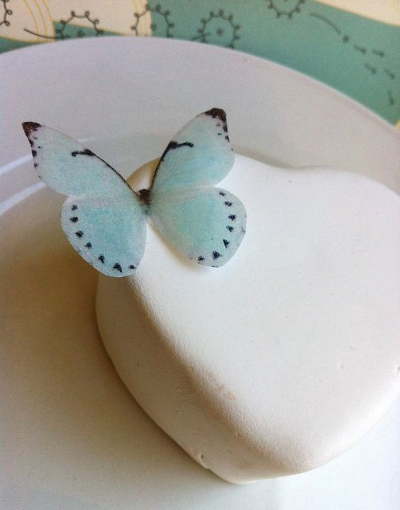 Edible butterfly decorations for cakes.