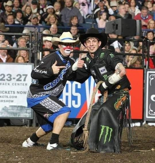 Pin By Kenna On Rodeo Pbr Bull Riding Professional Bull Riders Pbr Bull Riders