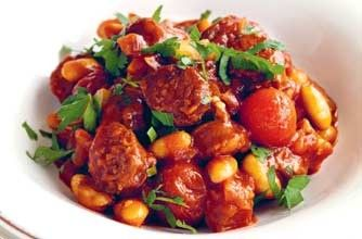 Chilli beans with chorizo and tomato Cook this tasty dish in the slow cooker. It's a great accompaniment to grilled meat or fish, or just as a supper dish on its own with some toasted bread.