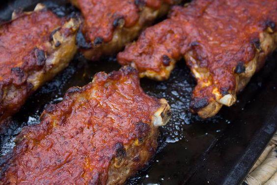 Costillas de cerdo con salsa barbacoa - Maldito Insolente