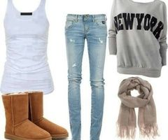 outfit for school ! Not a big fan of uggs but they are cute in some ways