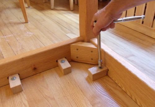 Attaching Table Legs With A Dowel Jig Farmhouse Farm Gaming Diy - How To Attach Metal Legs Wood Table Top