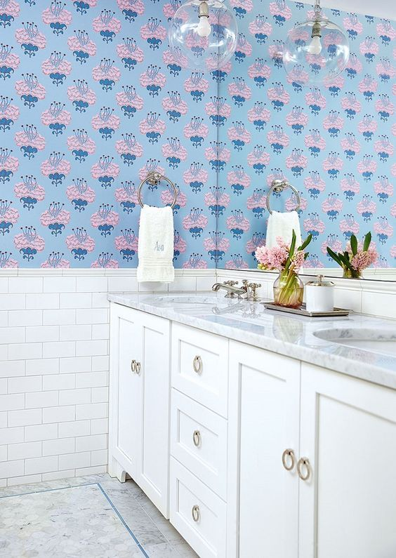 The Most Beautiful Wallpapered Bathrooms Modern Bathroom Decor Modern Style Bathroom Bathroom Decor