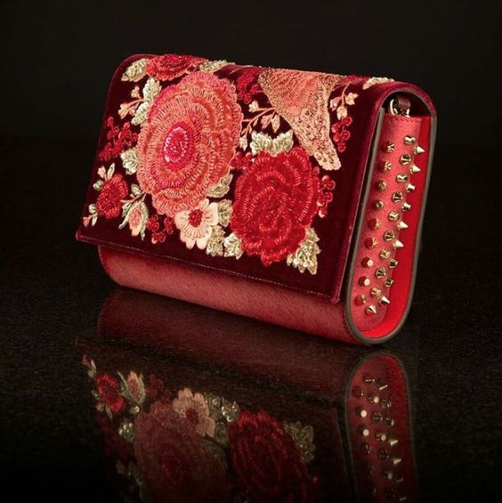 Red clutch for bridal