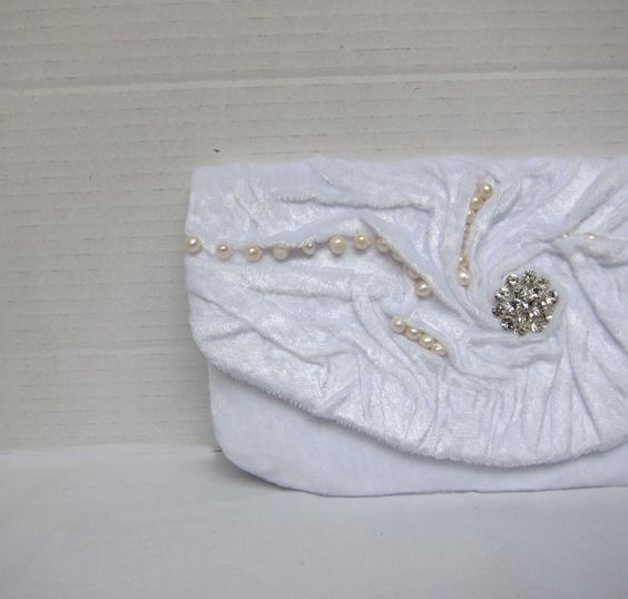 Winter White Clutch Bag | Simply Ideas
