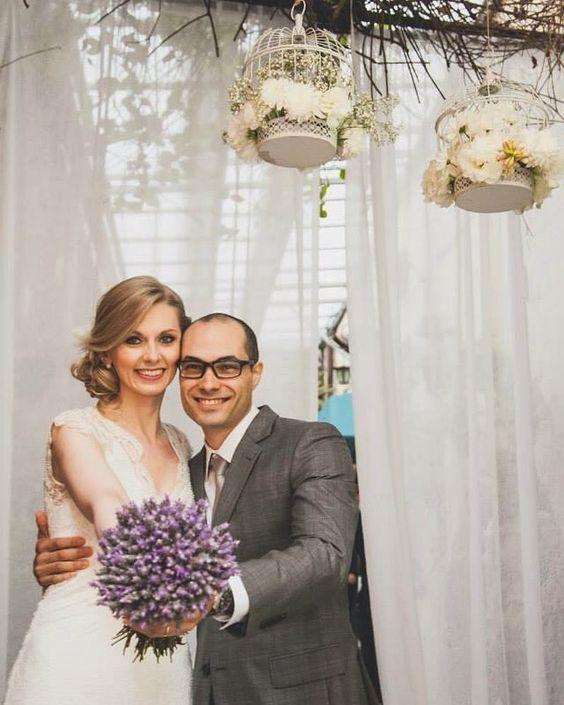 Hoje recordando nossa noivinha linda Léssia fotos lindas pelo olhar de @adrianaepatricia em @bistrosruella #miniweddingnoruella #miniwedding #noiva #bride #casamento #minicasamento #fotonoiva #noivos #leivaselourencowedding by leivaselourencowedding