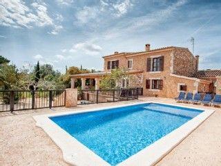 Mallorquinisches Landhaus nur 1km bis zum Strand, mit Pool + KüstenblickFerienhaus in Cala Millor von @homeaway! #vacation #rental #travel #homeaway