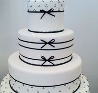 Danielle Andrade :: Sweet & Cake
