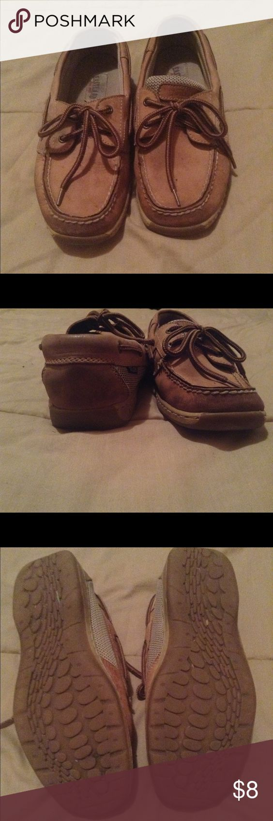 Cheap sperry lookalike These are still in pretty good condition I just don't wear any more! •smoke free pet friendly home• •offers!• Eastland Shoes Flats & Loafers