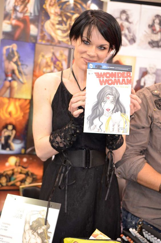 Here is another sneak peak of Dawn holding her awesome Wonder Woman.  She drew this amazing piece on DC Comics' Wonder Woman New 52 No. 19 Blank Variant Cover for a fan at a recent convention. Posted 6/4/13