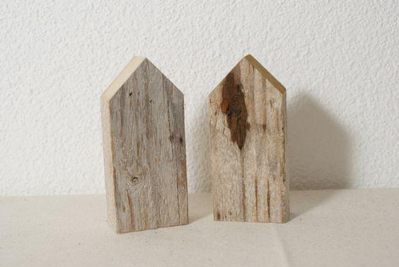Deko-Objekte - ~ grosse Holzhäuser ~ 2er-Set - ein Designerstück von nordic-Art bei DaWandaGrösse: 50 x 28mm Höhe: 2x 110mm 10 Euro