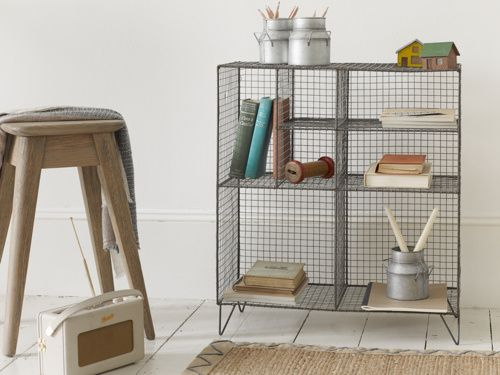 The Low Wire is our free standing wire storage unit that fits neatly next to our dapper desks. Perfect to store all your bits and bobs.