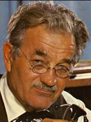Milburn Stone (July 5, 1904 - June 12, 1980) American actor (o.a. as Doc Adams in the serie 'Gunsmoke').