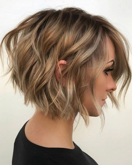 32 Cute Haircuts For Oval Faces #hairstylesforshort #hairstyles ⋆ sandraanggraini.com