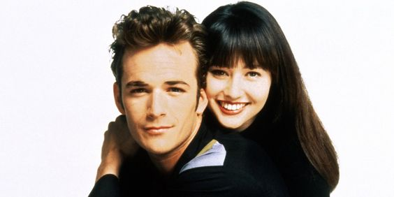 Luke Perry and Shannen Doherty while filming Beverly Hills