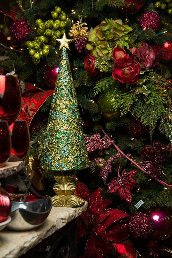 One of our vineyard-inspired Christmas tree themes Love the deep
