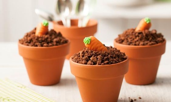"""Schokomuffins """"frisch gepflanzt"""" - eine sehr süße Idee von Sanella. #Rezept #Ostern"""