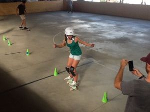 Cours particuliers Ado --> www.slides.club #coursdeskate #girlcanskate #skateschool #longboarding #dvs #millerdivision #frenchgirlskate