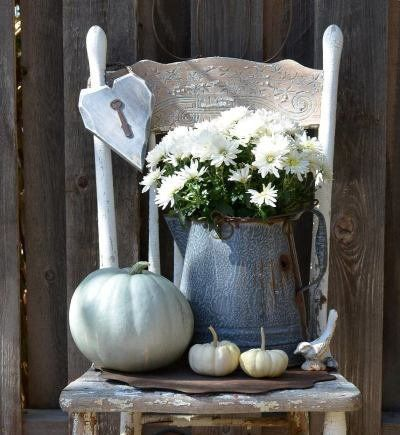 This is definitely going to be the center of attraction on my front porch. LOVE IT.