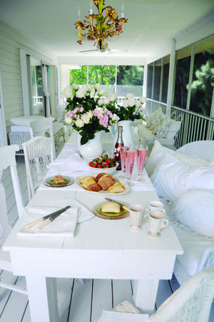 Romantic Homes Magazine   summer porch