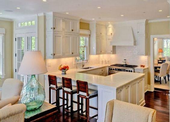 Brooke Shields Buys Classic Hamptons House   Små køkkener ...