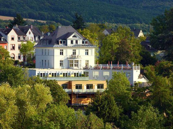 Außenansicht Villa Hügel Trier Mosel
