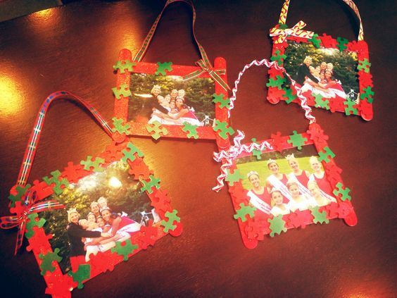 Christmas picture frame ornaments made with puzzle pieces for Popsicle stick picture frame christmas