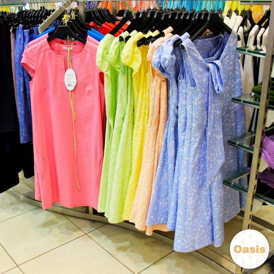 Яркие цвета и летние принты - лучший способ поднять настроение.  В магазине Oasis Вы найдете платья на любой вкус ❤❤❤    Однотонное платье: Состав: хлопок 97% , эластан 3% . Цена: 39.99 (399 900 бел.руб).    Платье с принтом: Состав: вискоза 33% , полиэстер 57% , хлопок 10%. Цена: 59.99 (599 900 бел.руб).     📍Сделай это лето ярче вместе с Oasis. #oasisstyleby #лето #стиль #мода