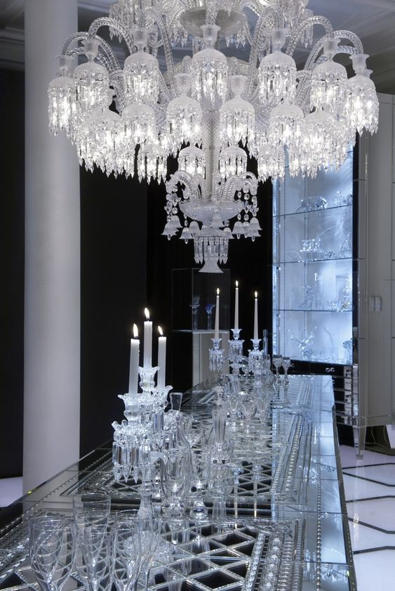 maison baccarat store moscow designed by philippe starck crystal chandelier lighting. Black Bedroom Furniture Sets. Home Design Ideas