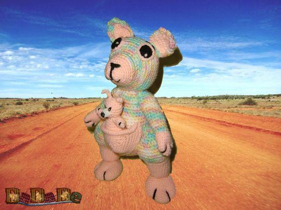 Känguru Katja mit Baby Joey zum kuscheln, Häkelanleitung von DaDaDe