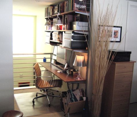 Love how organized this small space is home office inspiration pinterest small office - Small space offices pict ...