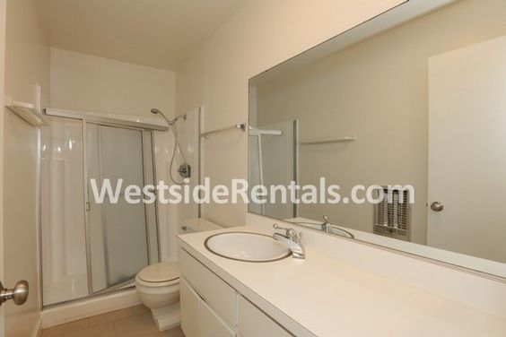 Apartment in Westwood - 2 bed, 2 1/2 Bath, $3300