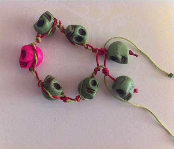 Las Calaveras!!  En verde y Rosa Fucsia!  10€