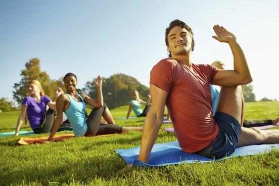 4 bonnes raisons de faire du yoga à exterieur - Yoga Journal France