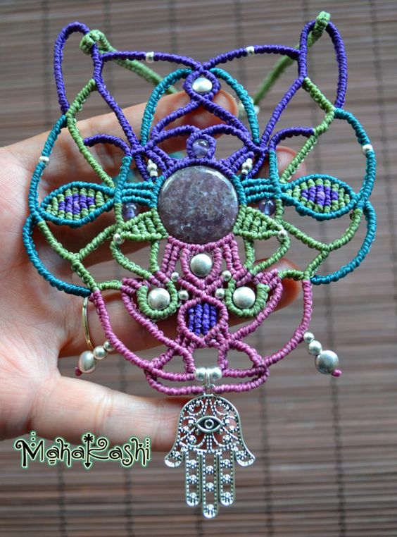 Macrame necklace Boho Amulet with por MahakashiCreations en Etsy