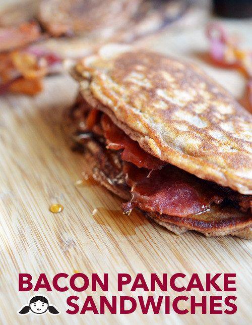 Emparedados de Pancake y Tocino | 31 Desayunos bajos en carbohidratos que te llenarán