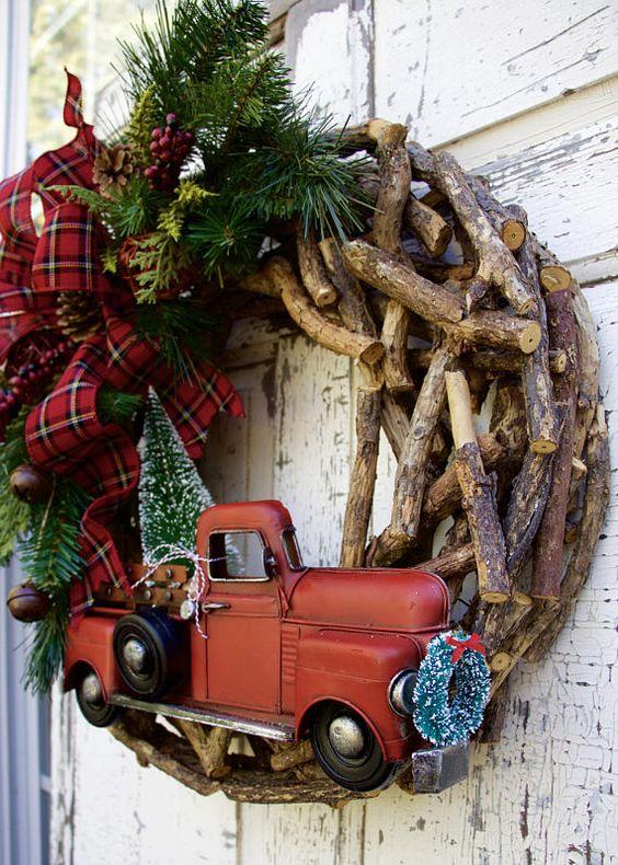 Couronnes de Noël, couronne de Noël Woodland, couronne de Noël rustique, ferme Couronne, couronne de Noël Country, couronne de camion rouge. Ferme de Noël, couronne de cabine C'est le dernier I have *** Trop mignon pour les mots!!! Une forêt de Noël à la grâce de votre porte!