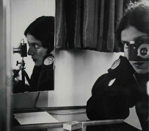 Ilse Bing, Self-portrait, 1931.