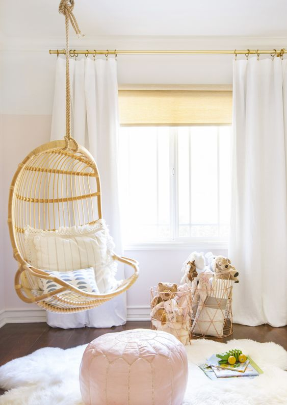 We all need a swing in our bedroom @stokkebaby @serenaandlily @bradytolbert